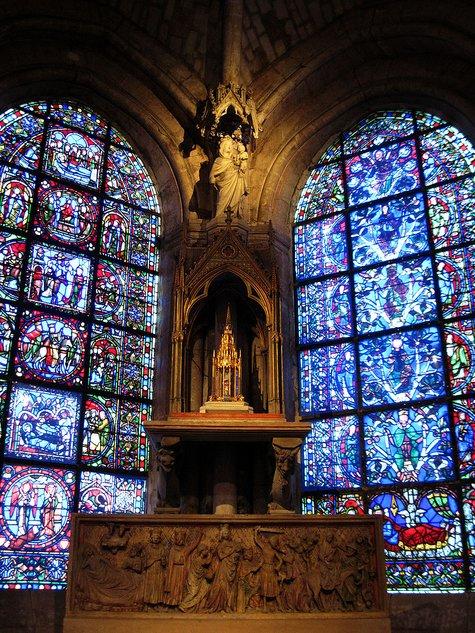 Часовня Пресвятой Девы Марии в амбулатории кафедрального собора аббатства Сен-Дени